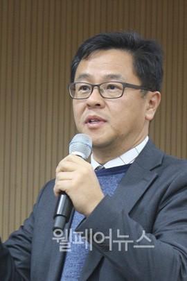 ▲ 한국전자통신연구원 김주원 부장이 시각장애인용 음향신호기 개선안을 제안하고 있다.