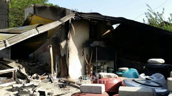 ▲ 지난 5월 강릉에서 발생한 산불로 전소된 전 씨의 집. ⓒ한국장애인재단
